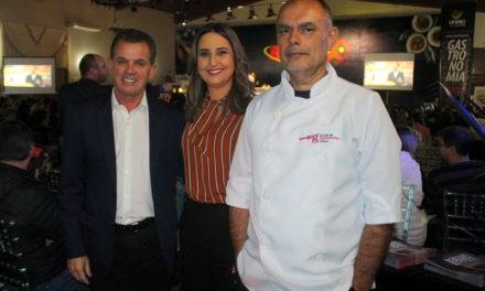 Curso de Gastronomia presente na Aula Show com Chef Henrique Fogaça