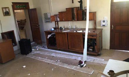 Igreja em Meleiro é alvo de vandalismo