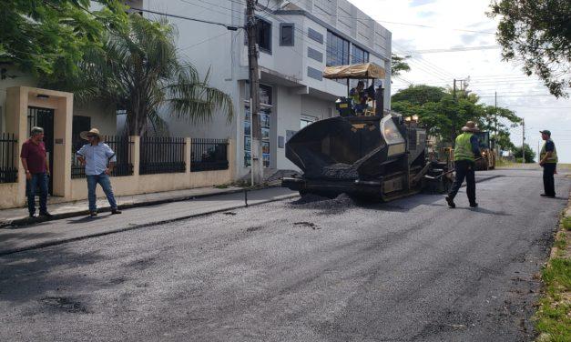 Rua Teodoro Rodrigues de Oliveira recebe asfalto em Sombrio