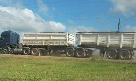 Polícia militar multa excesso de peso de rodovias em Maracajá