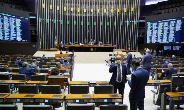 Câmara aprova projeto que aumenta limite de pontos da CNH