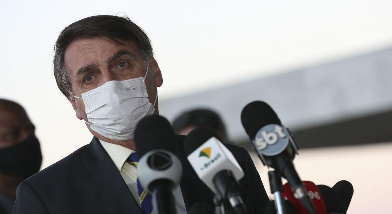 Bolsonaro diz que seu exame para Covid-19 deu positivo