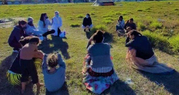 Estudantes de Enfermagem desenvolvem atividades de saúde com gestantes de comunidade cigana em Araranguá