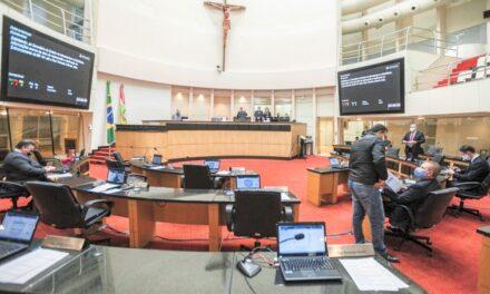 Deputados criticam ações do Executivo Catarinense e cobram respostas a questionamentos