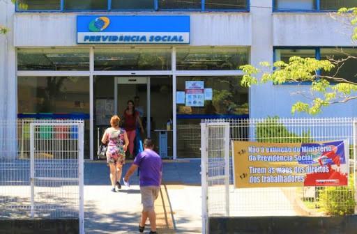 Médicos não retornam, e perícias agendadas no INSS são suspensas