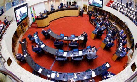 Alesc admite processo de impeachment contra Daniela por 32 votos a sete