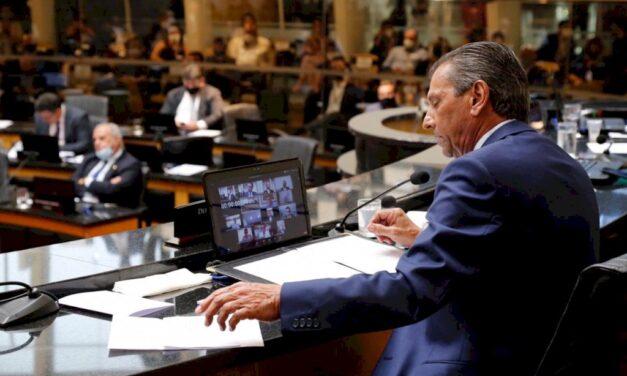 Impeachment: Plenário da Alesc admite segundo processo contra Moisés por 36 a 2