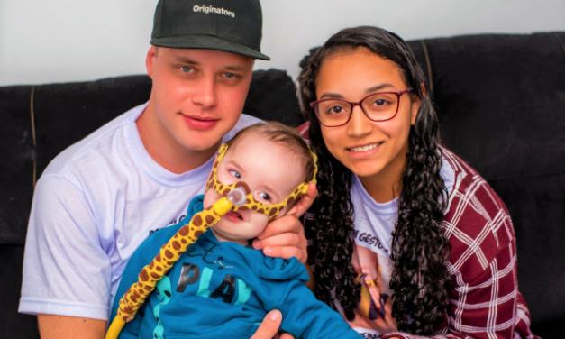 Família do menino Enzo pede ajuda para tratamento milionário