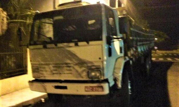 Caminhão furtado em Santa Rosa do Sul é recuperado em seguida pela Polícia Militar