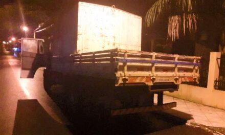 Entenda como um caminhão furtado em São João do Sul foi vendido a R$ 20,00 em Sombrio