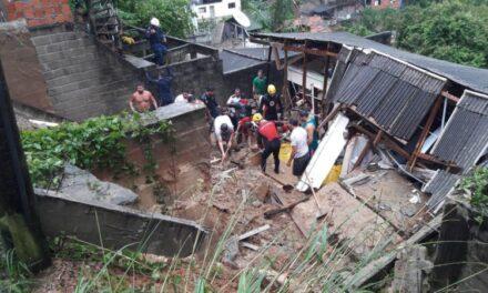 Mãe e filha morrem em deslizamento sobre casa em Florianópolis