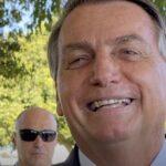 """Bolsonaro diz que mostrará """"prova bomba"""" em live sobre fraudes em eleições"""