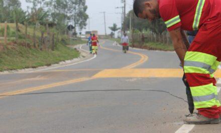Santa Rosa do Sul pavimenta acesso a Vila Bitencourt e recebe sinalizações