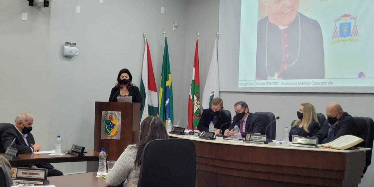 Dom Paulo Evaristo Arns é homenageado na Câmara de Forquilhinha