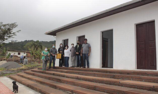 Autoridades de Santa Rosa do Sul visitam futuras instalações do Instituto Rua do Fogo
