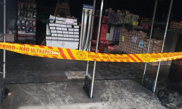 Incêndio atinge loja de sapatos em São João do Sul