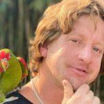 Comediante Dianho visita Praia Grande